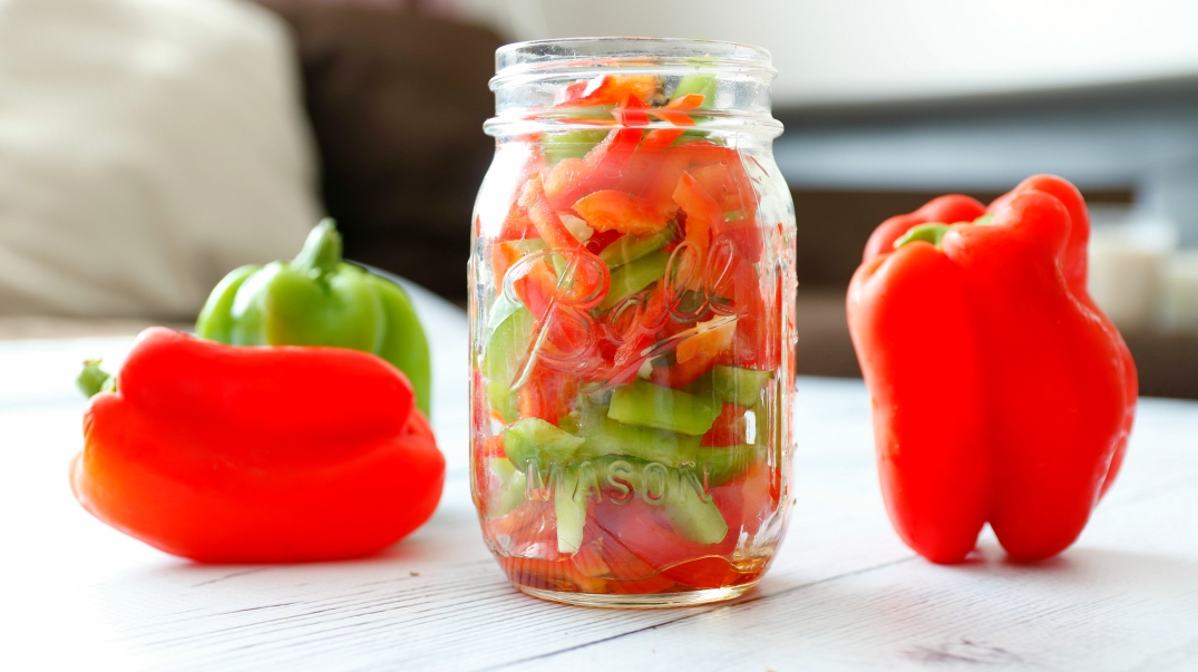 Bell-Pepper-Salad-FashionbyAlly